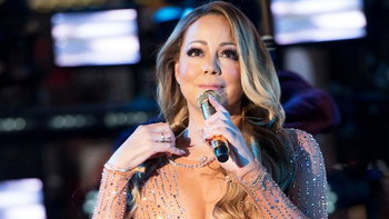 """Mariah Carey รับรู้สึก """"ขายหน้า"""" หลังพลาดลิปซิงค์ออกอากาศสด"""