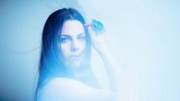 """Amy Lee จาก Evanescence ปล่อยเพลงบัลลาดสุดเพราะ """"Speak to Me"""""""