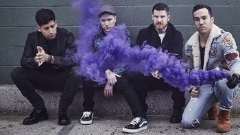"""Fall Out Boy มาแปลก! ส่ง """"Young and Menace"""" ลืมไปเลยว่าเคยพังค์"""