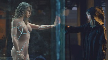 """ถอดรหัสเอ็มวี """"…Ready For It?"""" ของ Taylor Swift แบบช็อตต่อช็อต"""