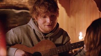 "Ed Sheeran ดึง Zoey Deutch สวีทหวานในเพลงสุดโรแมนติก ""Perfect"""