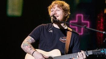 (รีวิว) Ed Sheeran หนุ่มอารมณ์ดีกับกีต้าร์ตัวเดียว เอาคนดูอยู่ทั้งฮอลล์
