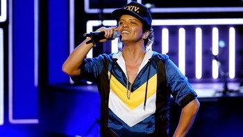 Bruno Mars คว้า 7 รางวัล จาก American Music Awards 2017