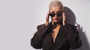 "Christina Aguilera กลับมาทวงบัลลังก์เจ้าแม่เพลงบัลลาด กับเพลงใหม่ ""Twice"""