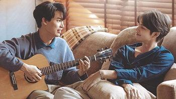 """""""ไบร์ท-วิน"""" ปล่อยเอ็มวีเพลงใหม่ พาแฮชแท็ก #ยังคู่กัน ติดอันดับ 1 ในทวิตเตอร์"""