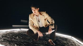 """มิว ศุภศิษฏ์ ทุ่มจัดเต็มโชว์แรกของเพลง """"SPACEMAN"""" ใน """"2021 Asia Song Festival"""""""
