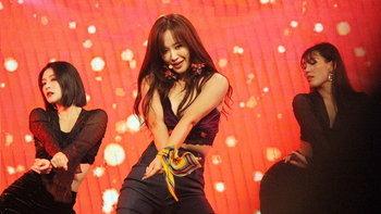 """""""ยูริ Girls' Generation"""" นำทีมโชว์สุดพิเศษ ในงานฉลองความสัมพันธ์ไทย-เกาหลีใต้"""