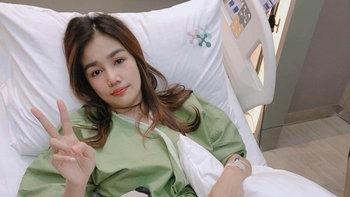 """""""กระแต อาร์สยาม"""" เลื่อนงานสอนเต้นเพลงใหม่ หลังเข้าโรงพยาบาลฉุกเฉิน"""
