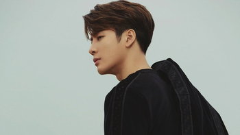 "Jackson Wang จาก GOT7 ส่งเพลงใหม่ ""Bullet to the Heart"" ในลุคเท่"