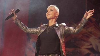 """Marie Fredriksson"" นักร้องนำวงระดับโลก ""Roxette"" เสียชีวิตในวัย 61 ปี"