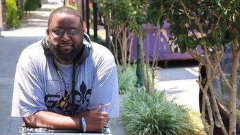 """ดีเจ """"Black N Mild"""" เสียชีวิตลงในวัย 44 ปีหลังติดเชื้อ """"ไวรัสโคโรนา"""""""