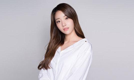 """ค่ายฟ้องกลับ """"ฮยอนจู"""" อดีตสมาชิก APRIL และครอบครัว ปล่อยข่าวออกจากวงเพราะโดนบูลลี่"""