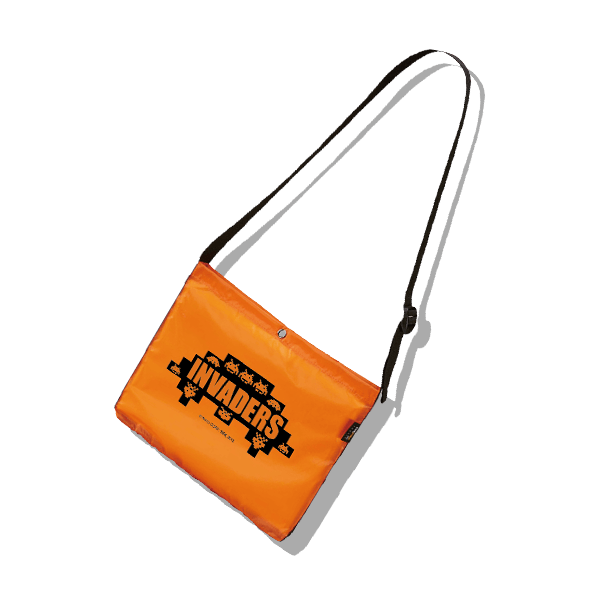 space-invaders-nylon-bag