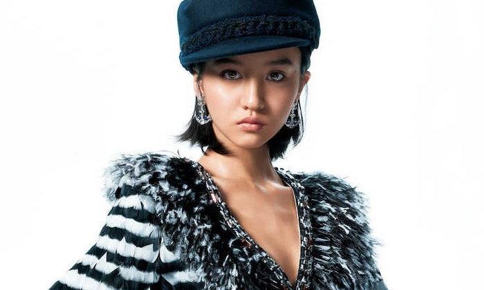ด้วยวัยเพียง 15 ปี! Kōki ลูกสาวคนที่ 2 ของ Takuya Kimura ขึ้นปกนิตยสาร ELLE
