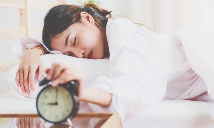 ไม่เชื่อก็ต้องเชื่อ! กรุ๊ปเลือดสามารถบอกพฤติกรรมการนอนตื่นสายได้