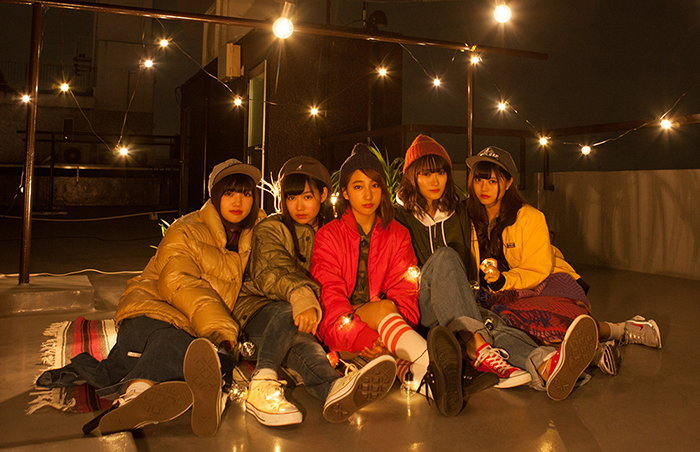 5 สาว lyrical school ใช้ตู้โทรศัพท์สาธารณะเป็นโลเคชั่นหลักถ่าย MV ใหม่