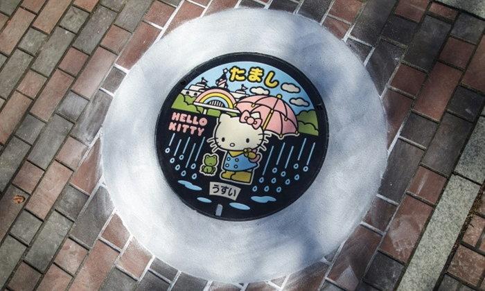 ไอเดียเลิศ! ญี่ปุ่นเปลี่ยนฝาท่อน้ำทิ้งเป็นงานศิลปะสุดน่ารัก