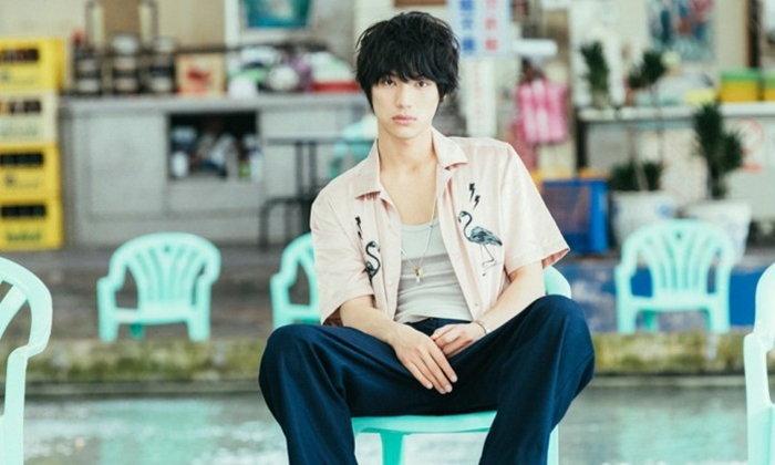 ไม่โสดแล้วนะ! นักแสดงหนุ่มหล่อ Sota Fukushi ควงสาวรุ่นพี่สุดสวีท