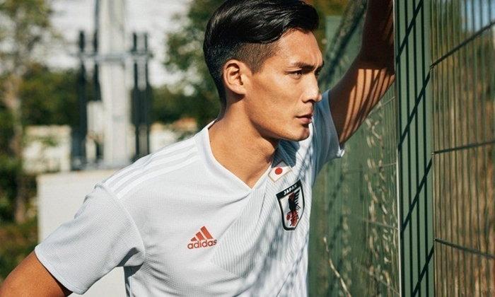Adidas กับเสื้อฟุตบอลชุดเยือนสีขาวล้วนของทีมชาติญี่ปุ่น ที่ไม่มีการใช้สีน้ำเงินเลย!