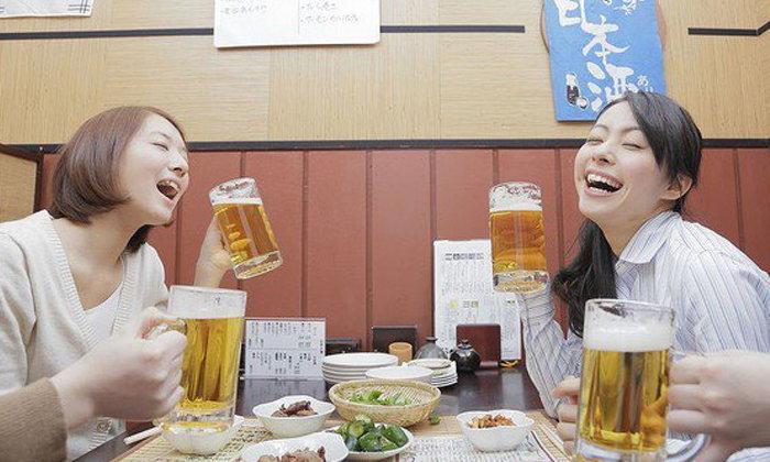 """3 นิสัยการดื่มของคนญี่ปุ่นที่ชาวต่างชาติเห็นแล้วต้อง """"ช็อก!!!"""""""