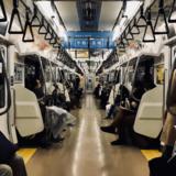 """เหตุใดคนญี่ปุ่นถึงชอบ """"เดินในรถไฟ"""" กันนัก?"""