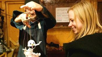 """พาไปรู้จักร้าน """"Orangeparfait"""" และบรรดาตุ๊กตาหุ่นชักน่ารักชวนสะพรึง"""