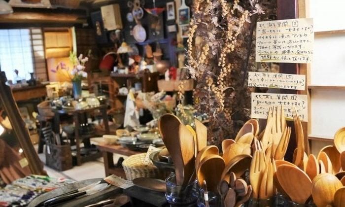 """เดินชิลล์ใน """"Hakutoya"""" ร้านค้าสุดโรแมนติกในเฮียวโกะ"""