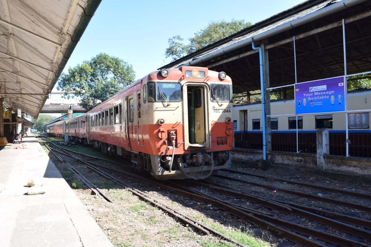japan-train1