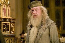ສາດສະດາຈານ Dumbledore ຈະມີ character ເປັນເກ ໃນ Fantastic Beasts ພາກຕໍ່