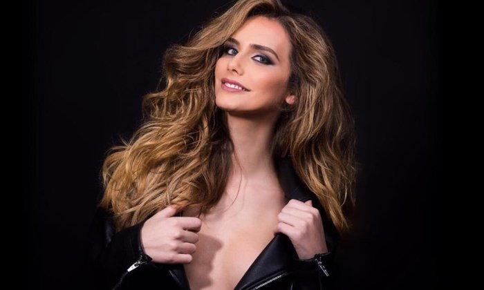 """""""Angela Ponce"""" ສະຕີຂ້າມເພດຄົນທໍາອິດຂອງໂລກທີ່ເຂົ້າຮ່ວມລຸ້ນມຸງກຸດ Miss Universe 2018"""