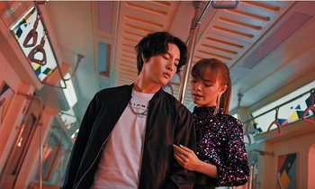 """""""ວິນລີ້"""" ສິລະປິນໜຸ່ມລາວຮັບບົດພະເອກເອັມວີເພງ """"Leave Me"""" ຂອງ ໂອບຂວັນ The Voice Thailand"""
