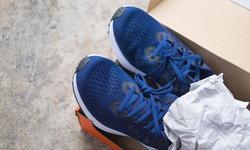 ต้อนรับ Pantone 2020 กับ 7 รองเท้าสี Classic Blue สุดเท่