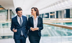 5 ข้อเสียของการมีแฟนทำงานที่เดียวกัน