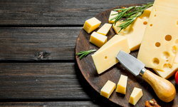 4 ประโยชน์ของชีส แหล่งอาหารโปรตีนสูงเหมาะสำหรับเสริมสร้างกล้ามเนื้อ