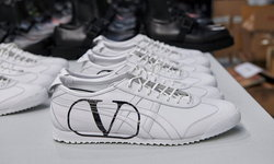 Valentino x Onitsuka Tiger งานคอลแลปส์สนีกเกอร์รุ่นลิมิเต็ด อิดิชั่น