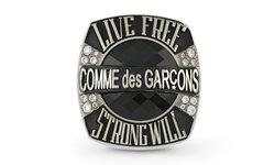 COMME des GARÇONS นำแหวน Champion กลับมาเสริมพลังบวกอีกครั้ง