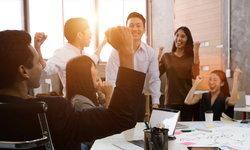 """7 วิธี """"ใช้ใจซื้อใจ"""" เพื่อนร่วมงานอย่างไรให้ได้ผล"""