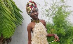 """แฟชั่น """"ถุงยางอนามัย"""" กระตุ้นชาวคองโกให้ใส่ใจปัญหาโรคเอดส์"""