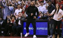 Drake แรปเปอร์ชื่อดังส่อแววทิ้ง Nike Air Jordan ซบตัก Adidas