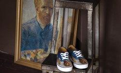 """แวนส์ เตรียมปล่อยรองเท้าพิมพ์ลายฝีแปรงของ """"แวน โก๊ะ"""""""