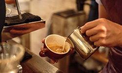 7 วิธีง่ายๆ ในการเพิ่มโปรตีนให้กับกาแฟของคุณ