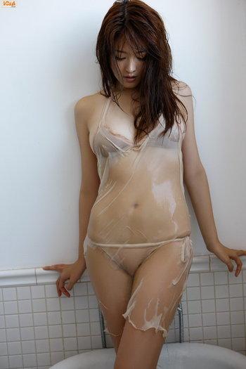 สาวตัวเปียก