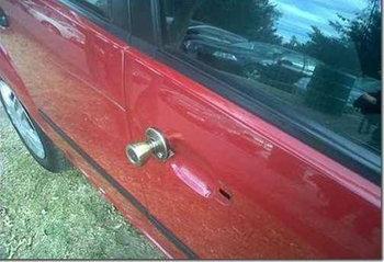 ประตูรถพัง เปลี่ยนเป็นลูกบิดซะเลย