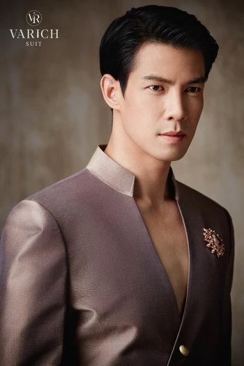 ชุดไทยเจ้าบ่าว