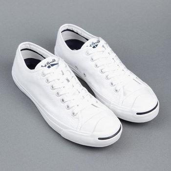 มีไว้ไม่เชย รวมรองเท้าผ้าใบสุดคลาสสิค มีไว้ใส่ได้ทุกงาน