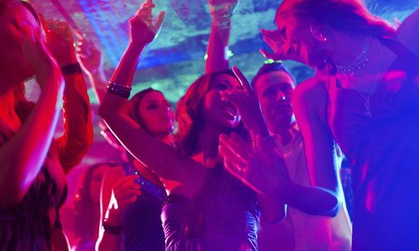 ผู้หญิงที่ไม่ปาร์ตี้สังสรรค์ ไม่แตะแอลกอฮอล์ แต่งตัวไม่โป๊ ยังมีใช่มั้ย?