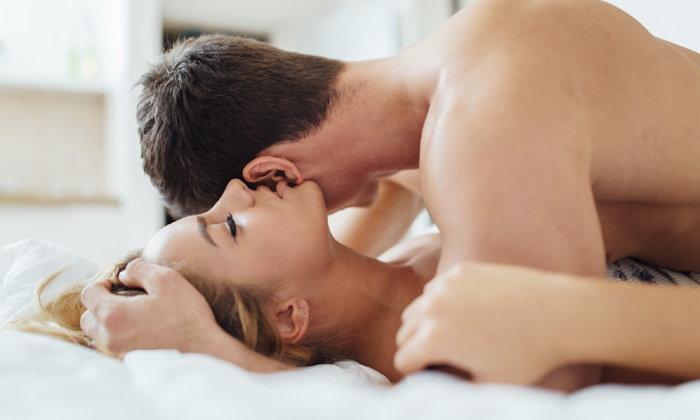จำเป็นหรือ ?? ที่ผู้หญิงจะถึง จุดสุดยอด ในขณะ ผู้ชายสอดใส่ของเขาอยู่