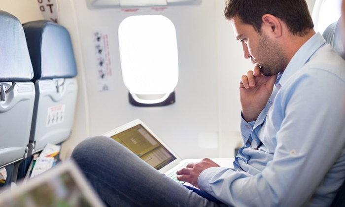 วิธีสร้างสรรค์ความสนุกสนานให้คุณบนเครื่องบิน