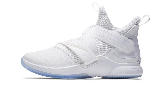Nike ส่ง LeBron Soldier XII สีขาว Triple White