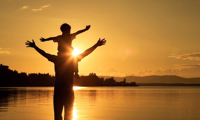 """""""พ่อเลี้ยงเดี่ยว"""" ควรปฏิบัติตัวอย่างไร เมื่อดูแลลูกตามลำพัง"""